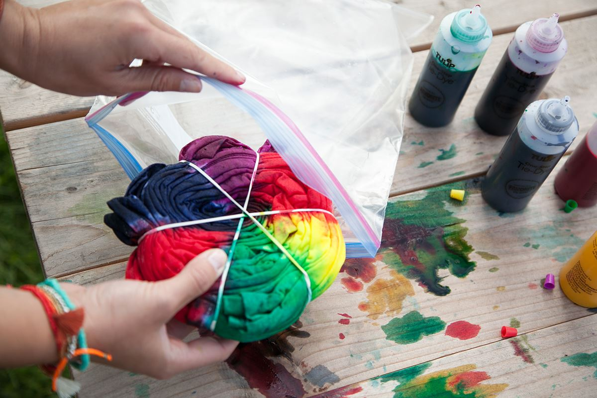 How to Tie Dye setting color