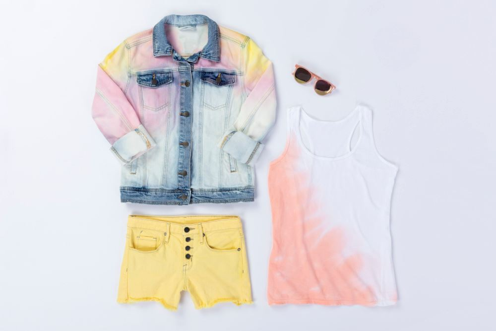 DIY Taylor Swift Inspired Pastel Tie Dye