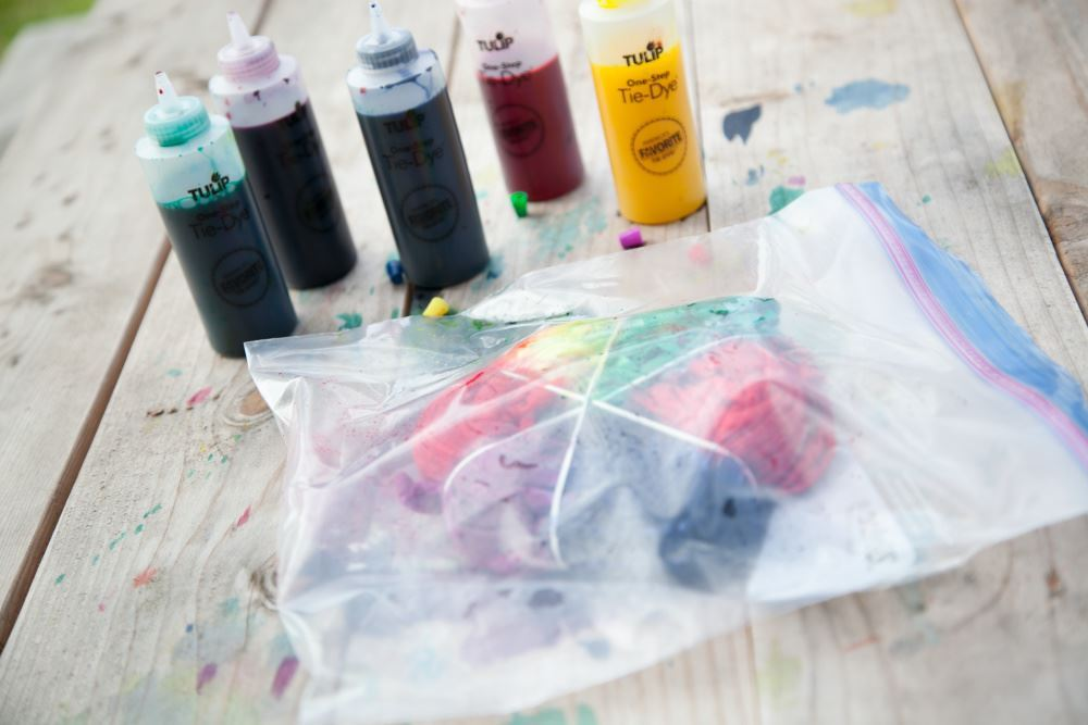 Store tie-dye projects in sealable bags.