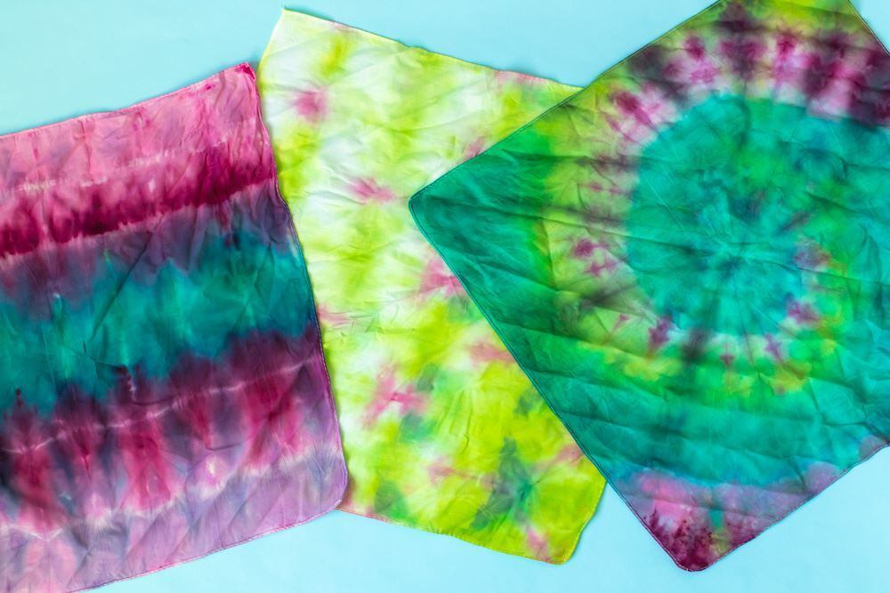 Quick & easy tie-dye handkerchiefs