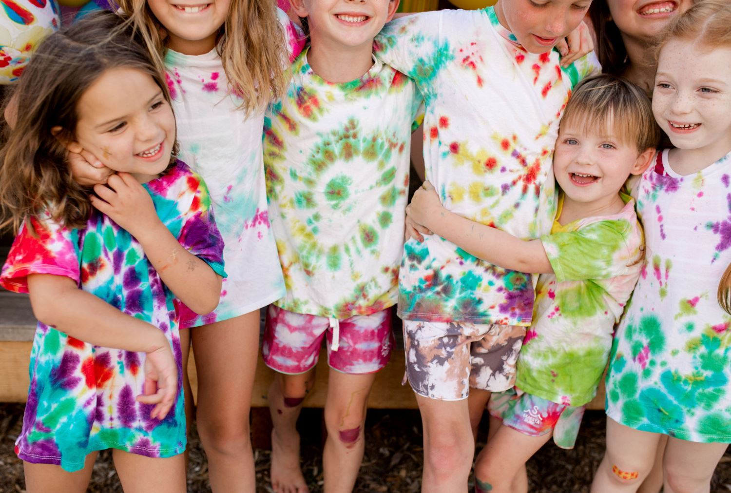 How to throw a tie-dye party in your backyard