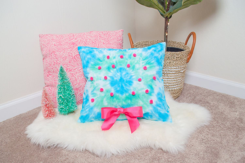 Tie-Dye Christmas Wreath Pillow