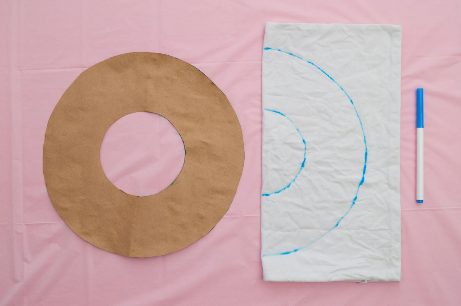 Create circle shape and trace on pillow cover