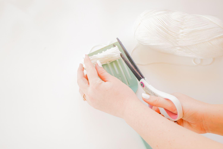 Cut yarn off spatula