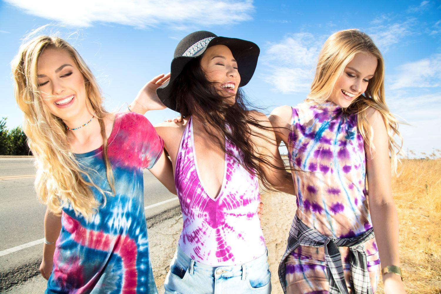 Tie-Dye 90s Style Outfits